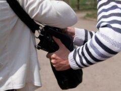В Саратове двое школьников ограбили мать инвалида