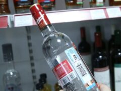 В Краснодаре неизвестный мужчина избил бутылкой продавщицу DIM Coffee