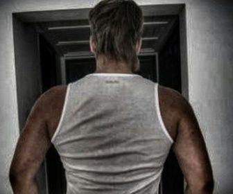 __мускулы парень качек