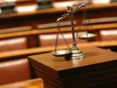 В Игарке 16-летнюю школьницу обвиняют в разбое и краже