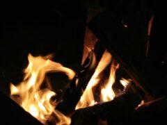 В Астраханской области горели сено, дом и хозпостройка