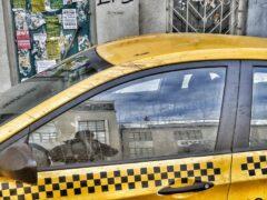В Благовещенске двое пассажиров напали на водителя такси