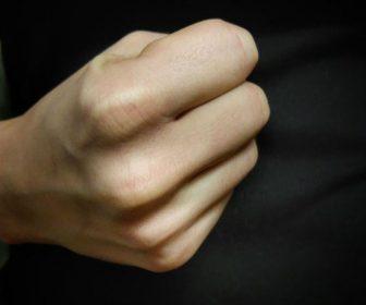 __кулак женский