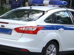 В Волгограде Mercedes врезался в дерево, пострадала девушка