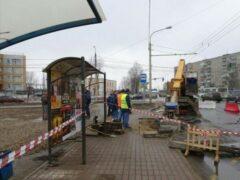 В Ярославле мужчина провалился под землю на остановке