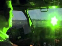 Пилотов пяти самолетов ослепили лазерами в Москве