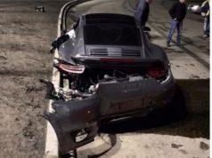 разбитый Porsche