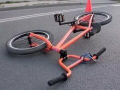 Юная велосипедистка из Кемерова протаранила внедорожник