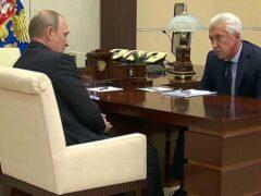 Путин обсудил с Васильевым обманутых дольщиков, бюджет ВПК и «группы смерти»