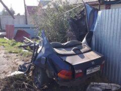 В Бийске автомобиль в результате ДТП разорвало на части