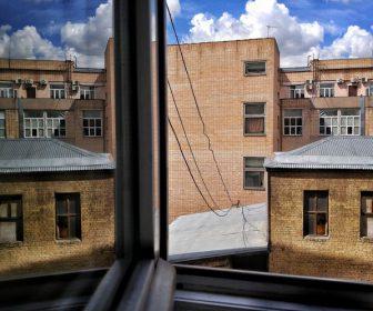 __окно здание офисы дом
