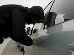 В Кургане собутыльник угнал машину, когда пьяный хозяин уснул