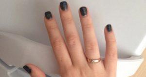 рука кольцо золотое