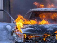 В Железногорске рано утром сгорел автомобиль BMW Х5