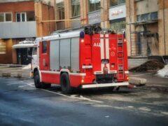 В Омске спасли горевший дом от взрыва газа