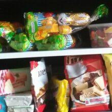 В Омске кладовщик украл 250 кг шоколадных конфет