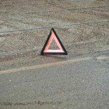 Хэтчбек и BMW не поделили дорогу на Петергофском шоссе
