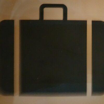 __ багаж, чемодан