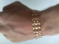 В Новосибирске грабитель на себе вынес золото из ювелирного магазина