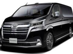 Toyota анонсировала старт продаж нового минивэна Toyota GranAce