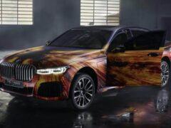 Художник разрисовал новенькую BMW 745L 2020 года