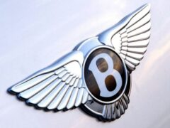 Bentley не планирует выпуск электрокара до 2026 года