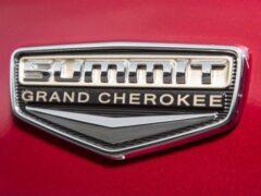 Новый Jeep Grand Cherokee снова замечен на тестах