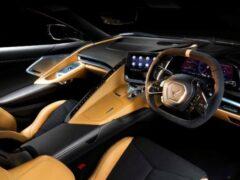 Chevrolet Corvette C8 получит руль справа