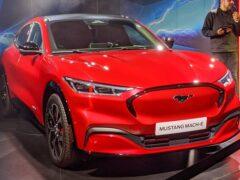 Дилеры Ford повысили стоимость кроссовера Mustang Mach-E