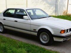 На продажу выставили 28-летний седан BMW 7-Series почти без пробега
