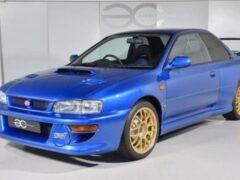 Продают Subaru Impreza 22B STi 1998 года почти без пробега