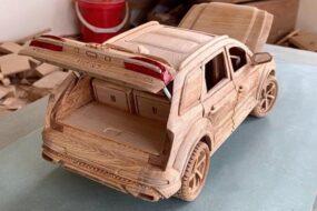 Вьетнамский столяр сделал из дерева точную копию Audi Q7