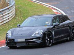 Компания Porsche вывела на тесты универсал Taycan Cross Turismo