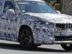 Новый кроссовер BMW X1 был замечен на тестах