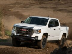 GMC Canyon AT4 получил новую версию Off-Road Performance Edition