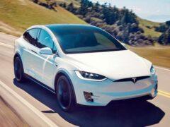 Обновленный Jaguar J-Pace станет главным конкурентом Tesla Model X
