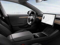 Tesla Model 3 получила обновленный интерьер и руль с подогревом