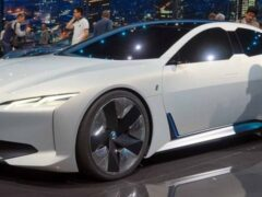 BMW открыла прием заказов на новый электрический i4 в Австралии