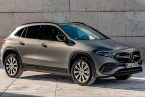 Mercedes добавил две полноприводные версии новому кроссу EQA