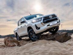 В России стартовали продажи новой версии пикапа Toyota Hilux