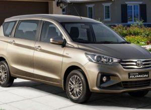 Компания Toyota представила в ЮАР новый компактвэн Rumion